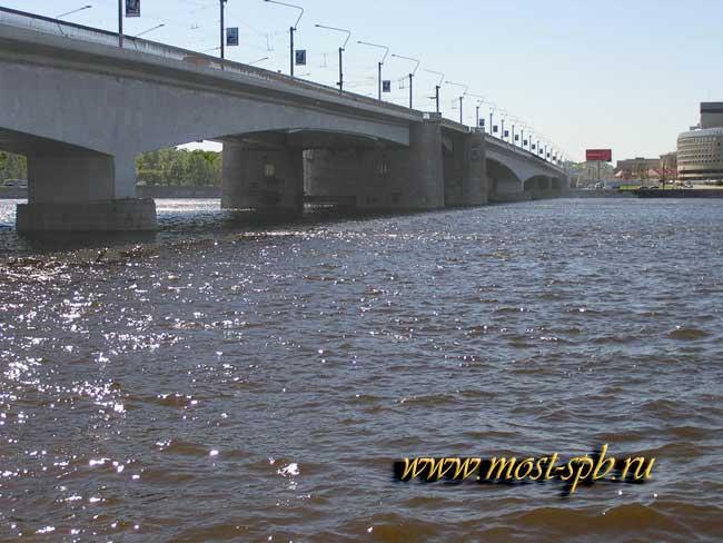 моста Александра Невского